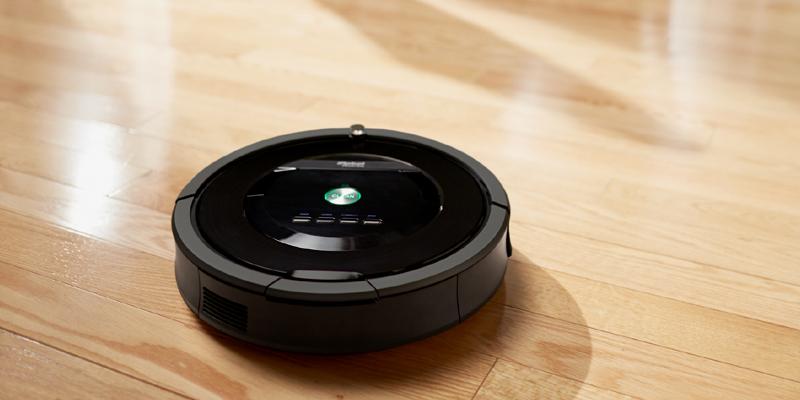 iRobot Roomba auf Parkettboden