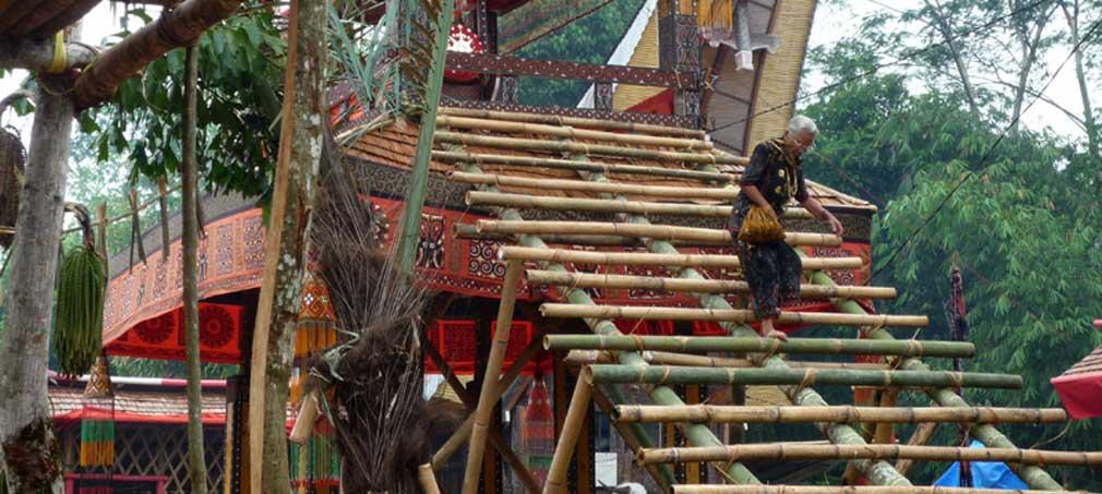 Zeremonienhaus gebaut aus Bambus